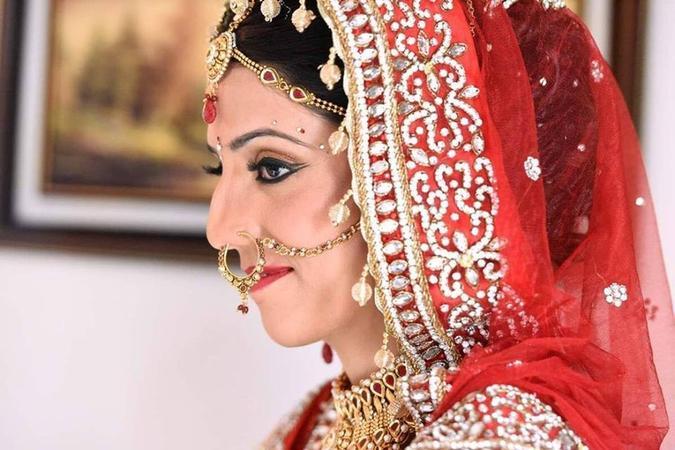 Fresh Glow Hair and Beauty Salon | Pune | Makeup Artists