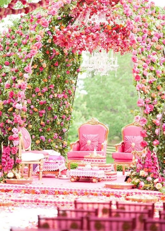 10 Wedding Mandaps That Took The Fuchsia-And-White Trend To Another Level.  #WeddingMandaps  #WeddingTrends