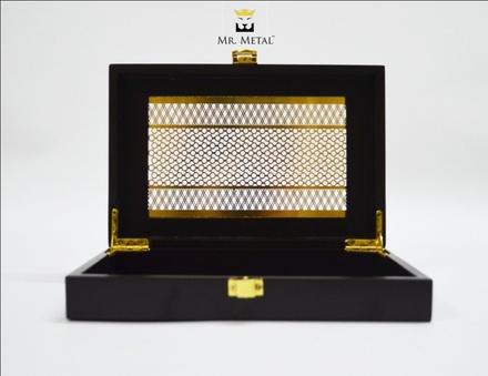Exquisite Affaire Aureate Maze Wedding Box