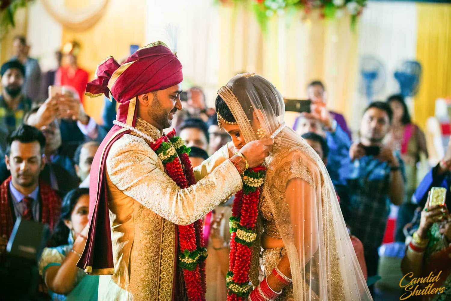 Candid Wedding Engagement Photographers in Mumbai, Pune and Candid wedding photographers in mumbai