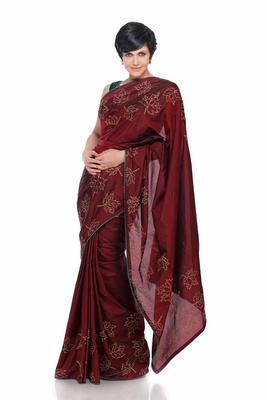 Maroon Saree With Embroidered Mapple leaves