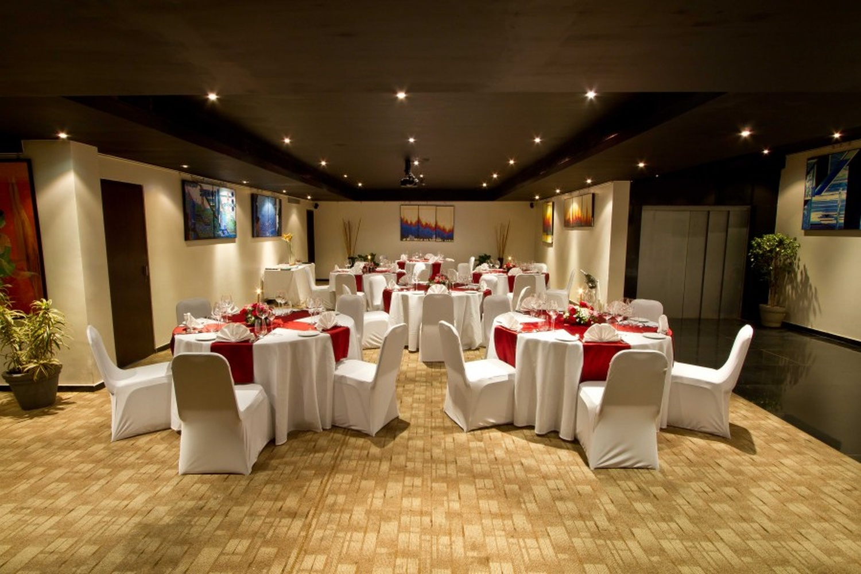 Svenska design hotel andheri west mumbai banquet hall for Design hotel wedding