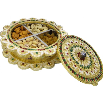 Boontoon Gift box with wooden base and meenakri brass lid