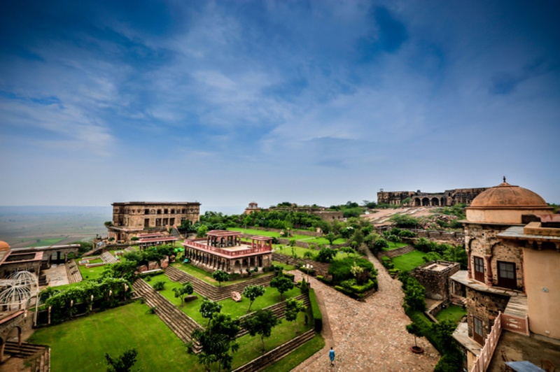 10 Resorts Around Delhi That Are Perfect for a Weekend Honeymoon