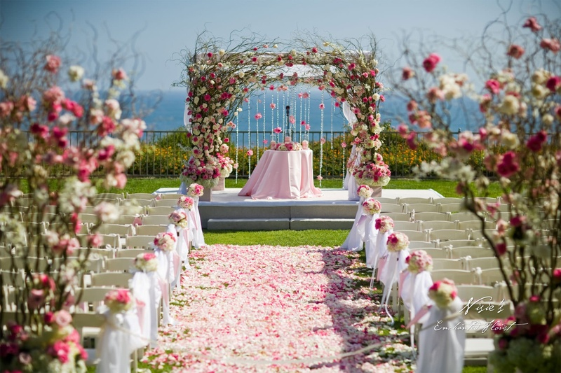 5 Top Flower Decorators in Mumbai That Can Set The Right Ambience for Your Wedding