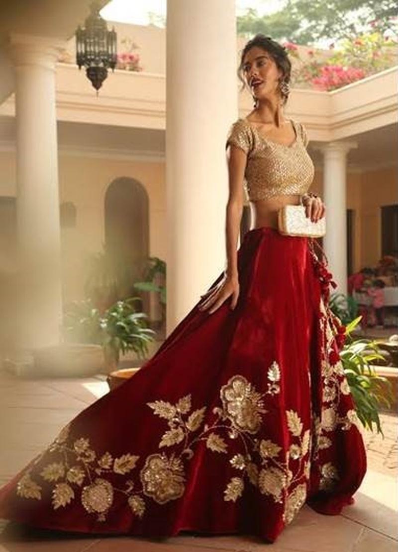Looking for Unique Bridal Wear? Head to Shrangar, Chandni Chowk's Hidden Gem to Find Your Dream Wedding Lehenga!