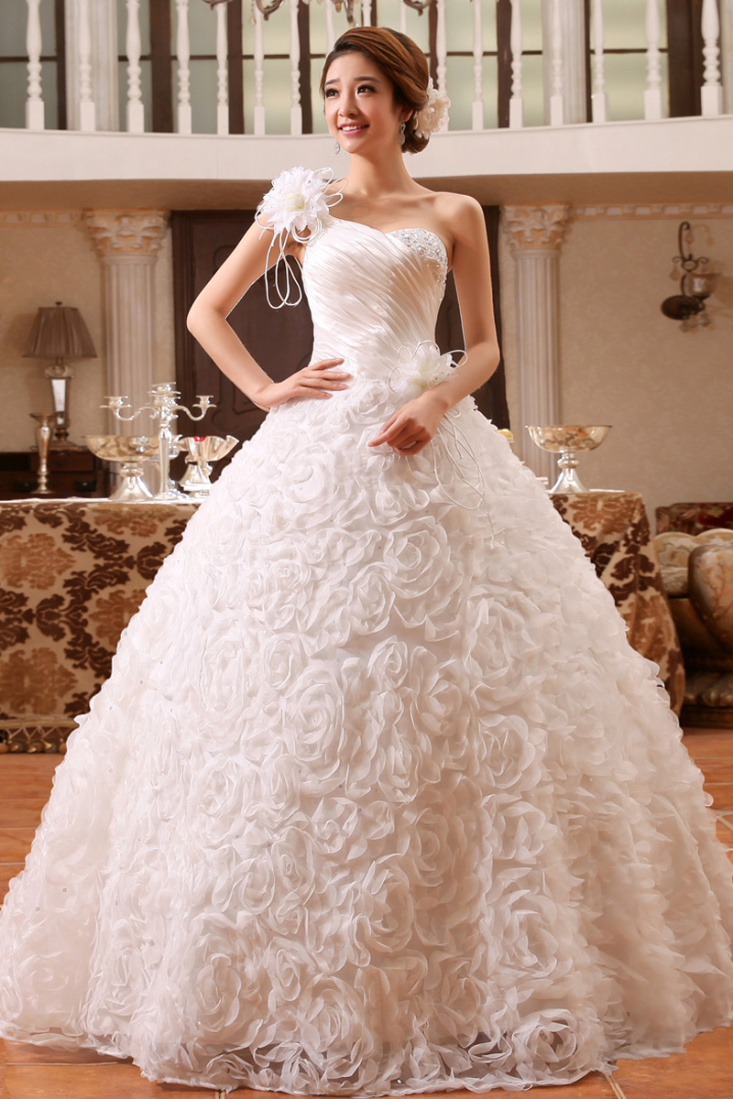 Buy gorgeous floral white wedding gown online gowns for Shop online wedding dresses