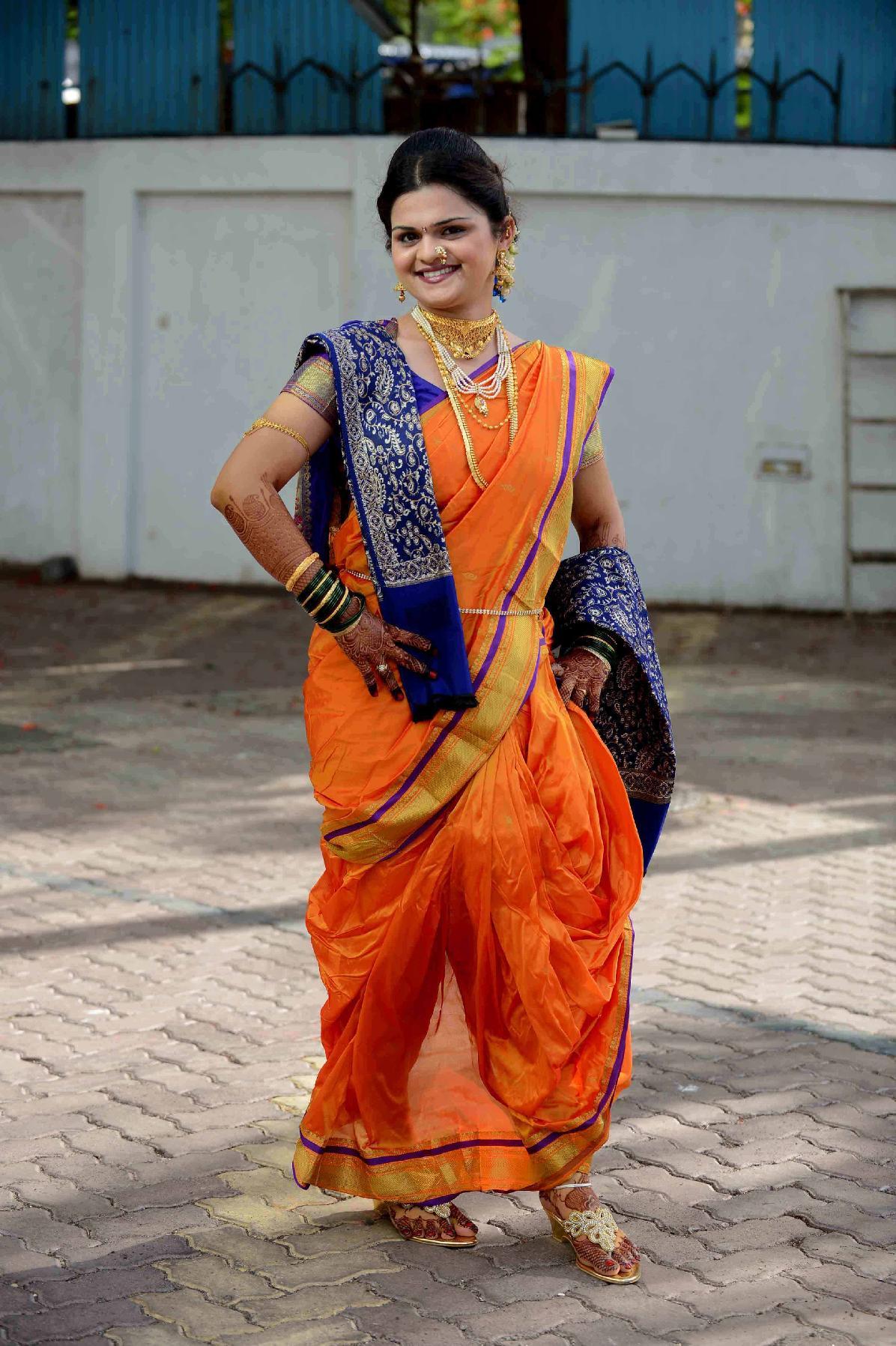 Engagement pattu saree images supriya pawar dropatsupriya on pinterest
