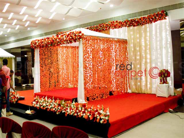 Simple hindu marriage stage decoration photos www for Indoor stage decoration