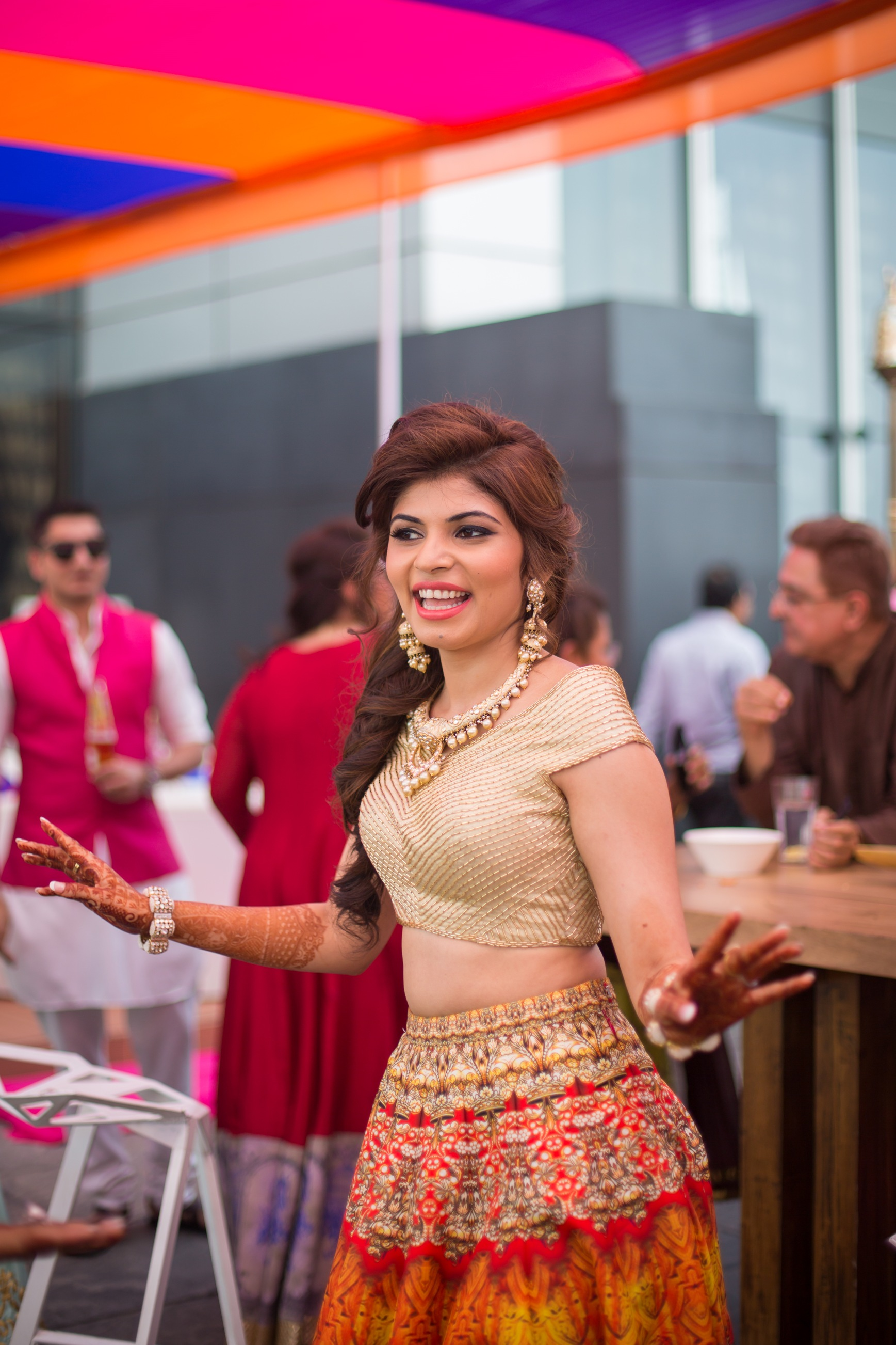 Mehndi Party What To Wear : This jw marriott pune wedding is giving us major bridal
