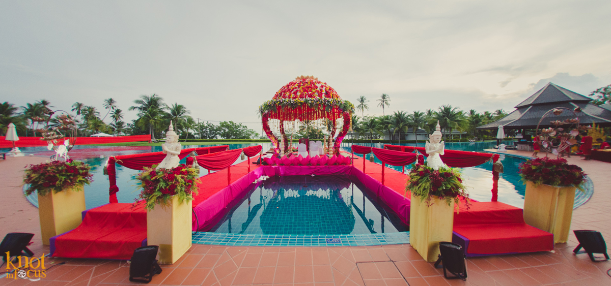 15 Real Wedding Mandap Décor Ideas You Should Totally Take Cues From! #mandapgoals