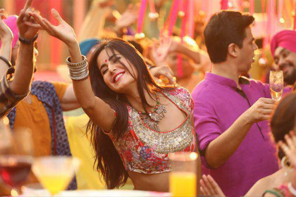 Latest Bollywood Songs for a Power Packed Punjabi Sangeet Performances!
