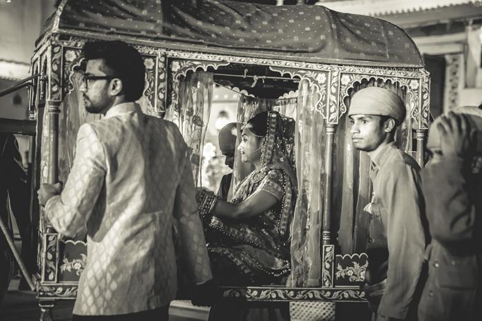 Stunning Wedding Palki Decoration Ideas for That Perfect Bridal Entry