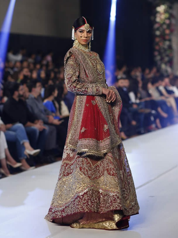 Top 10 Pakistani Bridal Designers You Need to Know of This Wedding Season!