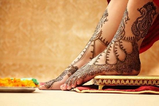 Top 5 Mehendi Artists in Delhi Who Can Do Wonders with Bridal Mehendi