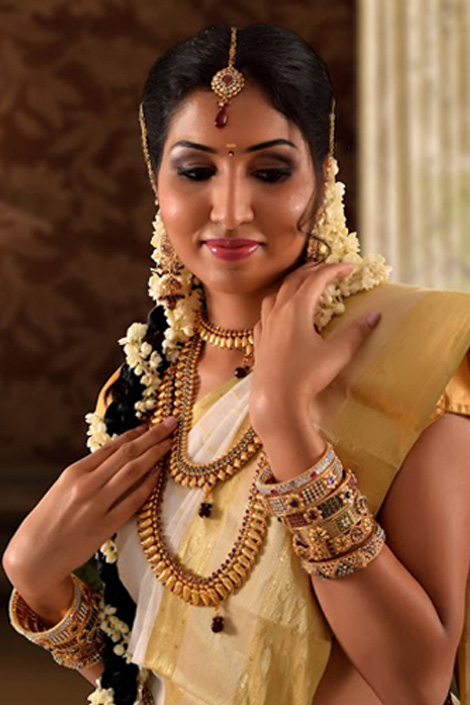 Naturals Bridal Makeup Review : get it all here call 76 66 77 88 99 or have us call you ...
