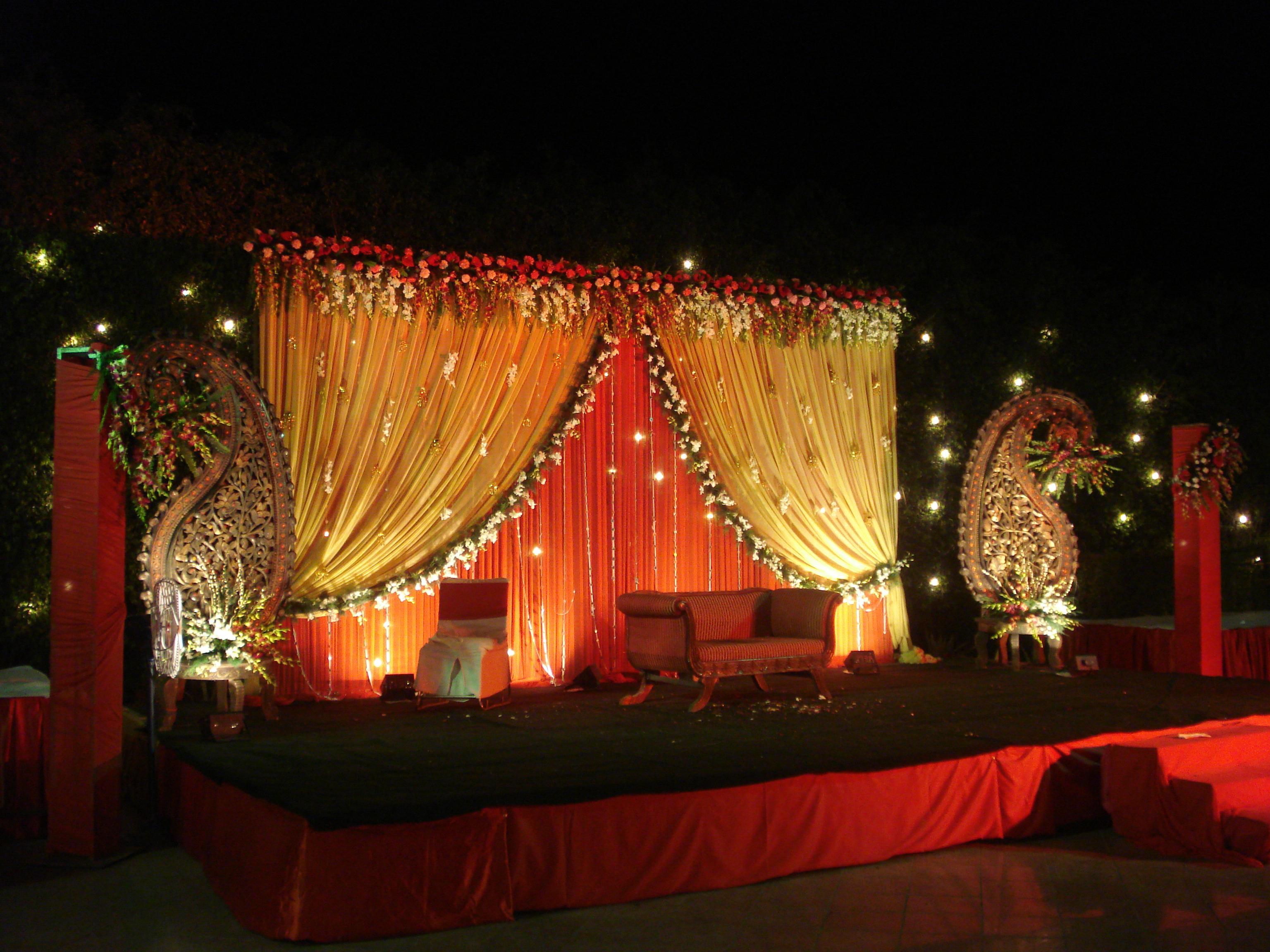 Golden green farm house bijwasan pushpanjali delhi for Decor international delhi