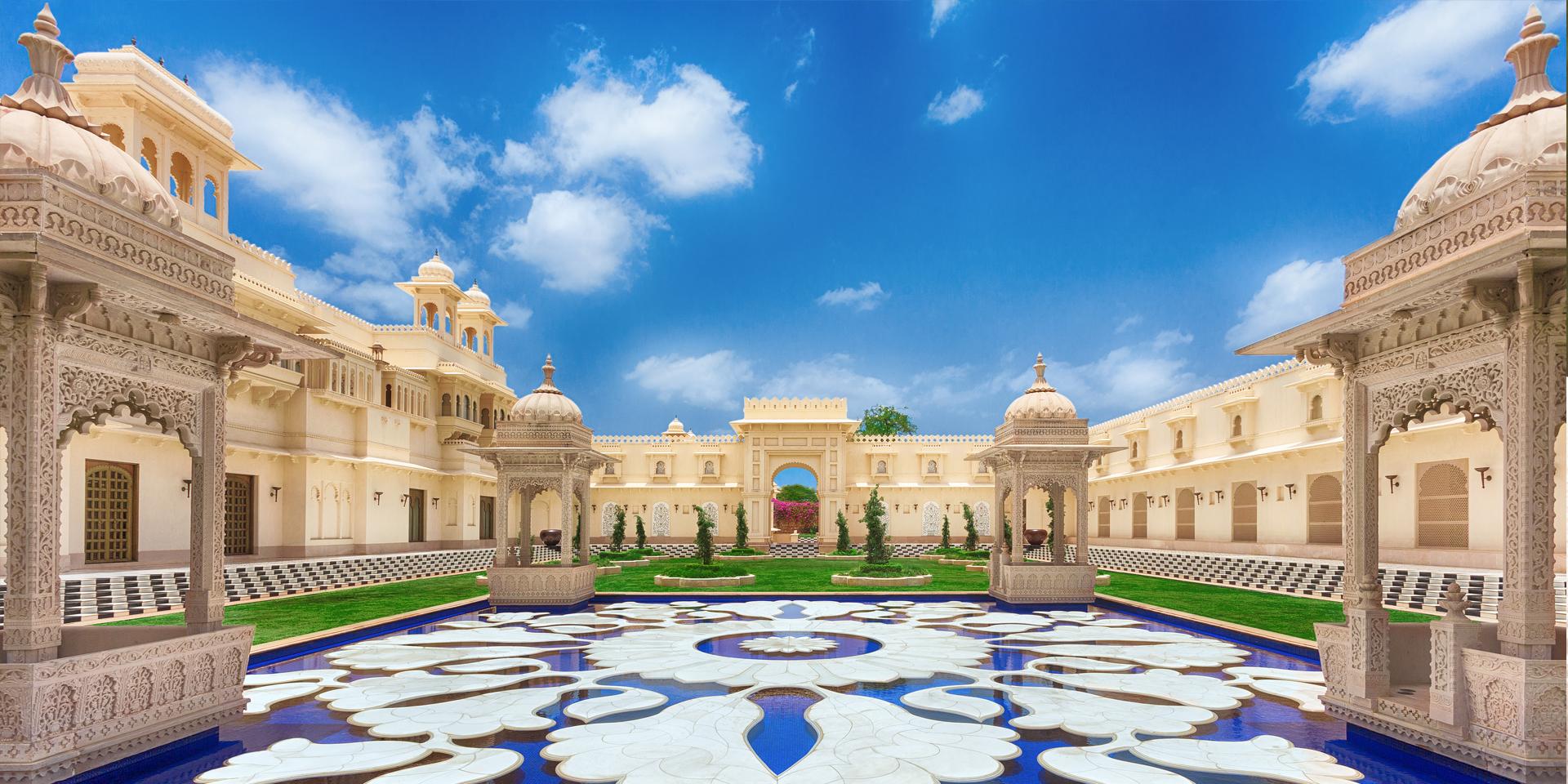 The Oberoi Udaivilas Palace Mallatalai Udaipur Banquet Hall Wedding Lawn Weddingz In