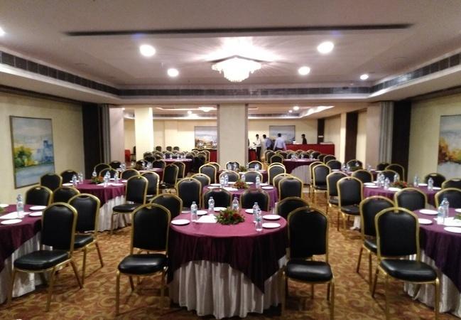 Edition O 30037 Hotel Mapple, Wagholi, Pune