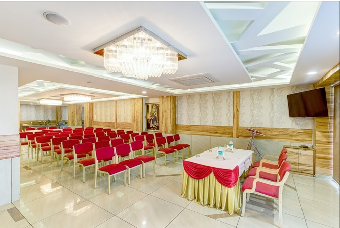 Daksh Residency Vijay Nagar Indore - Banquet Hall