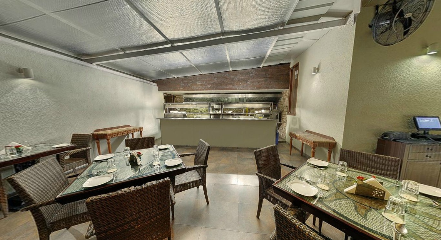 Juhu residency boutique hotel juhu mumbai banquet hall for Best boutique hotels in mumbai