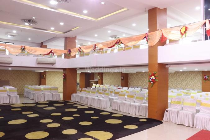 Hotel Grand Celebration Ramkrishan Nagar Patna - Banquet Hall