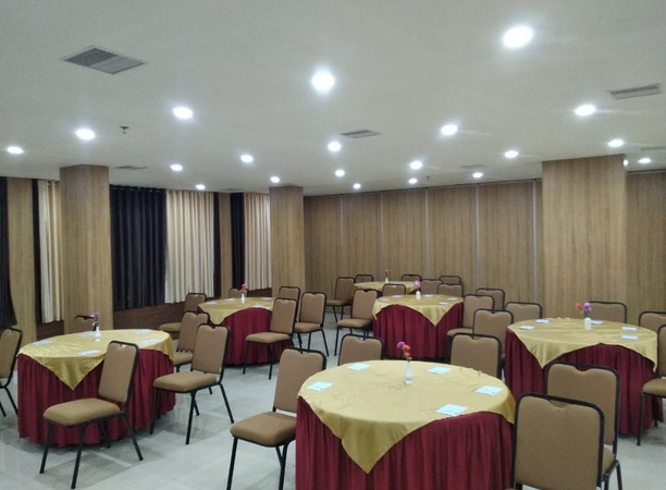 Laimar Suites Edappally Kochi - Banquet Hall