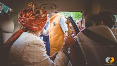 Kesari safa with gold zari details
