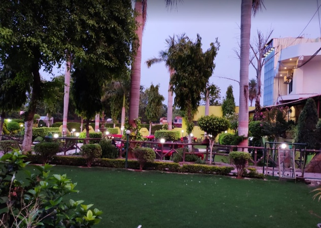 Hotel Rituraj Purani Chhawani Gwalior - Banquet Hall