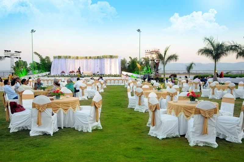 Red Carpet Banquets Karkardooma Delhi Wedding Lawn