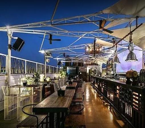 True Tramm Trunk Juhu Mumbai - Banquet Terrace