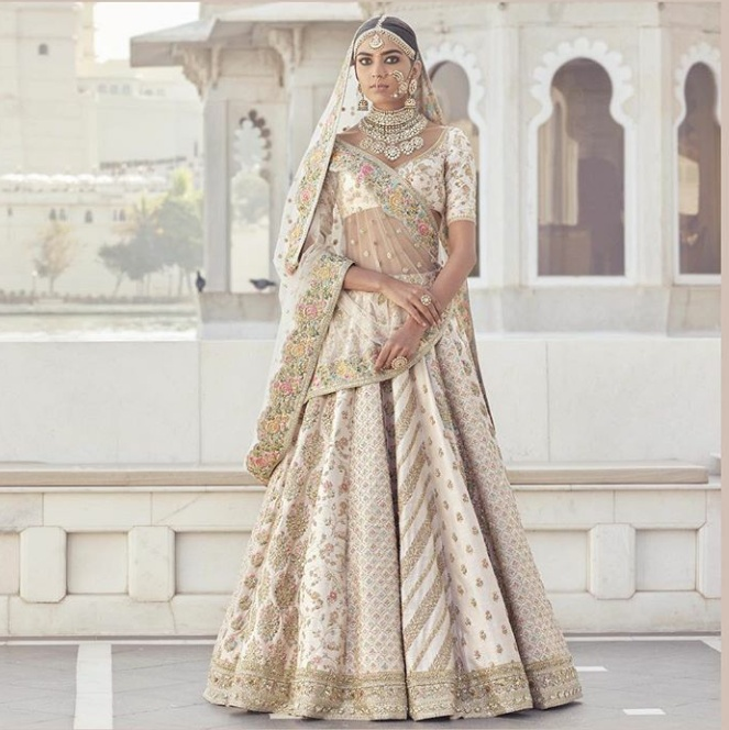 2. Oh my God!! You never fail to knock us over, Mr. Sabyasachi!