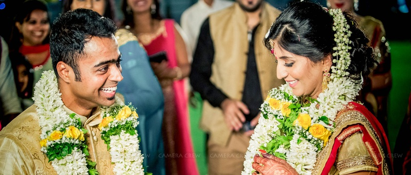 Robin & Sonia Mumbai : Outdoor And Romantic South Indian Wedding