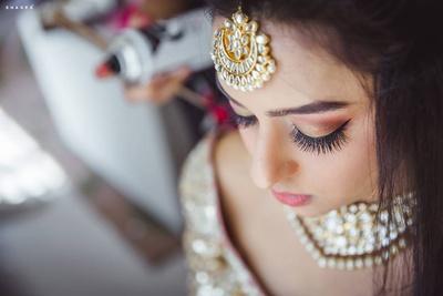 Bridal makeup by Ablaze by Simran Thakkar.