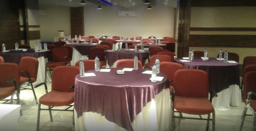 Hotel Kingston Thaltej Ahmedabad - Banquet Hall