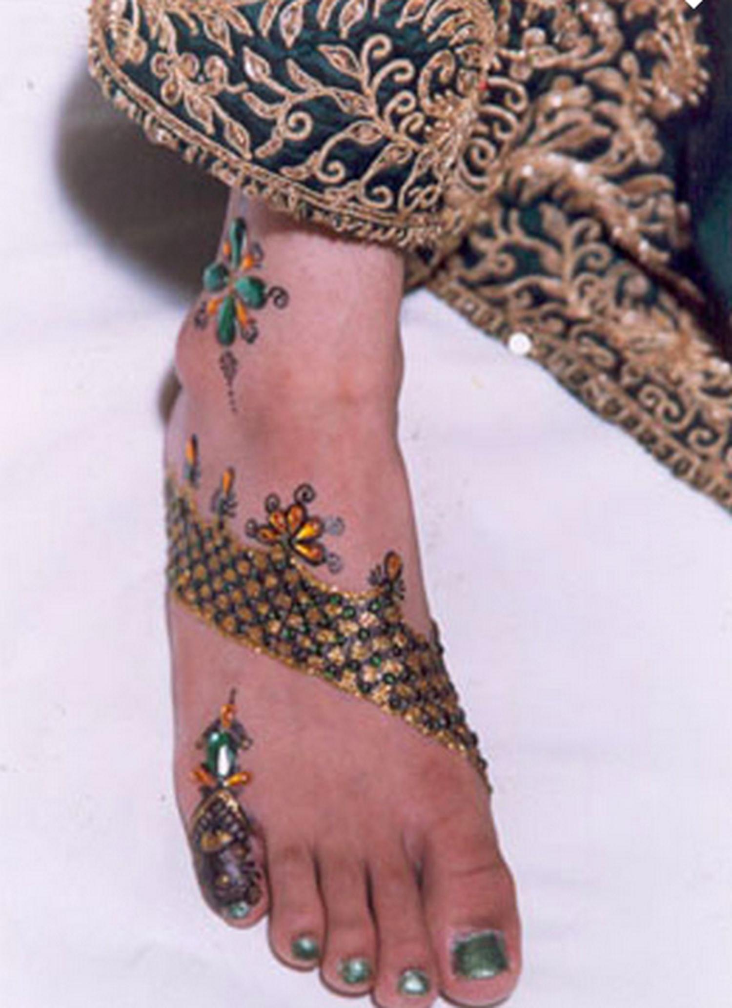 Veena Nagda Bollywood Mehndi Queen, Bridal Mehndi Artist ...