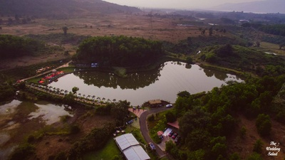 Ayesha, co founder of The Papier Project decided on The Royal Elm, Karjat as their venue