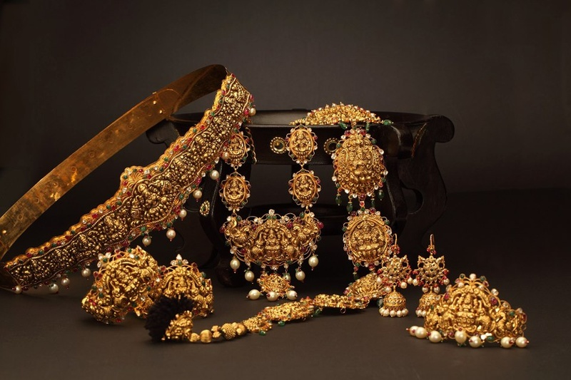 Temple Jewellery Lookbook: All You Need To Know About South Indian Bridal Ornaments.