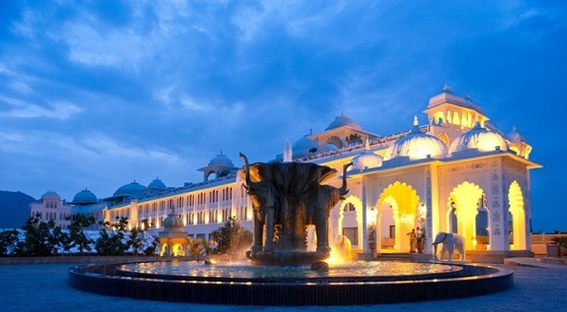 Best Outdoor wedding venues in Udaipur for Hosting a Classy Destination Style Wedding