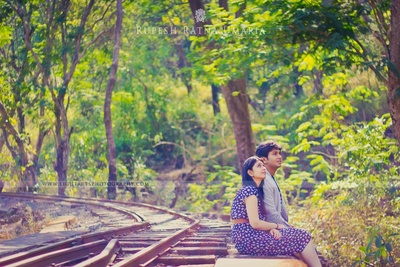 Creative pre-wedding photo shoot ideas
