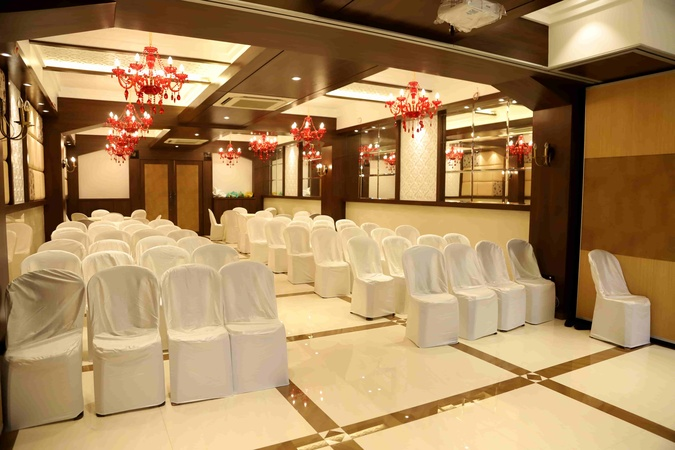 Mumbai Metro - The Executive Hotel Andheri East Mumbai - Banquet Hall
