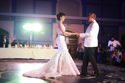Bride dance at her wedding reception
