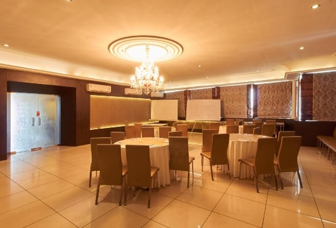 The Down Town Hotel Banjara Hills Hyderabad - Banquet Hall