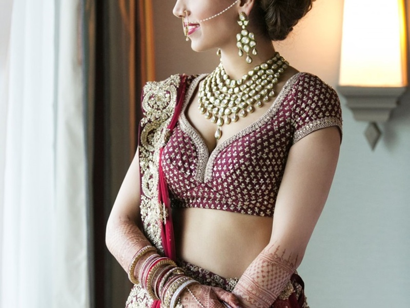 7 Mistakes to Avoid While Getting a Lehenga or Saree Blouse Stitched!