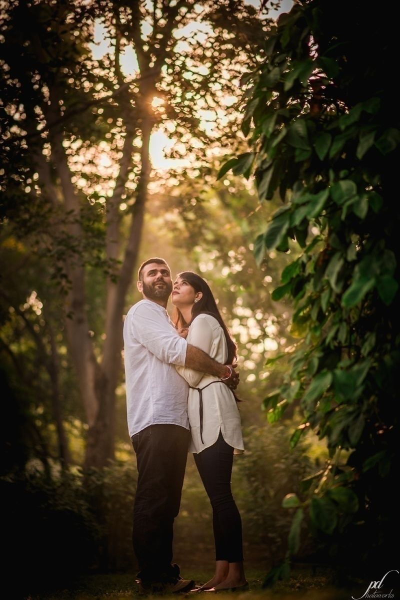 Outdoorsy Pre-Wedding Shoot