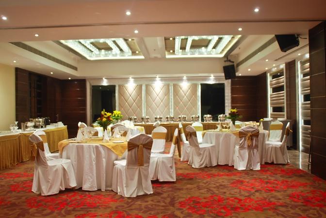 The Gaur Sector-43 Chandigarh - Banquet Hall