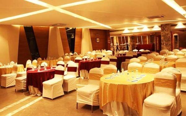 Royal Cafe, Hazratganj, Lucknow