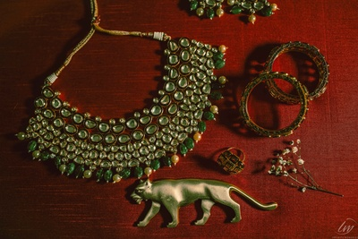 The beautiful Sabyasachi jewellery! Oh, we love it.