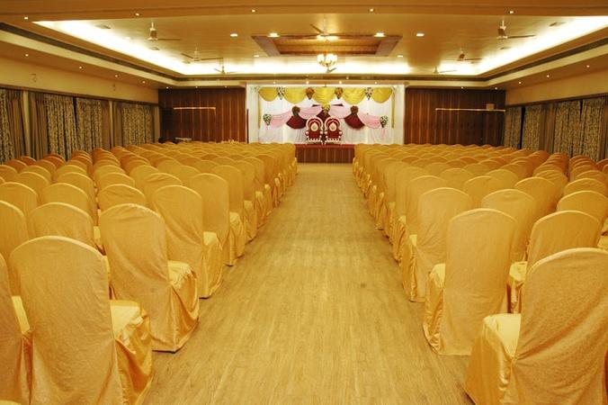 Zambre Palace Swargate Pune - Banquet Hall