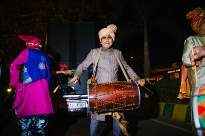 baraat entry with dhol